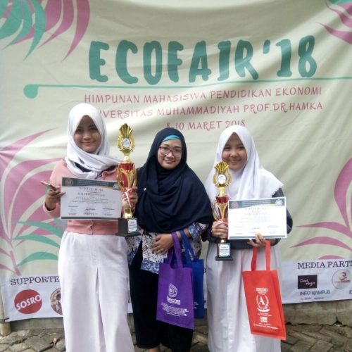 Pemasaran dapat juara 2 atas nama ayu tri wulandari dan putri nurdianty juara 3.